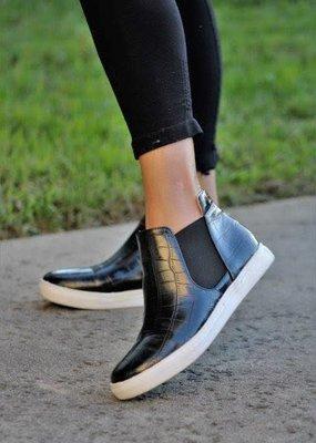 Mata Shoes Black Gator Sneaker