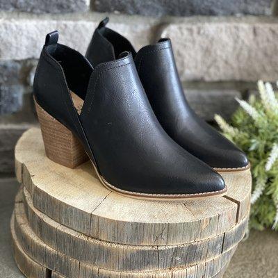 Beast Fashion Black Side Slit Block Heel Ankle Boot