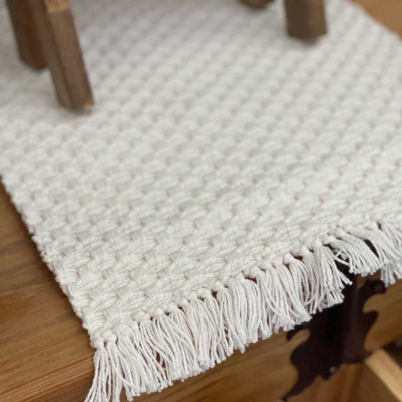 Audrey's Ivory Woven Placemat with Fringe