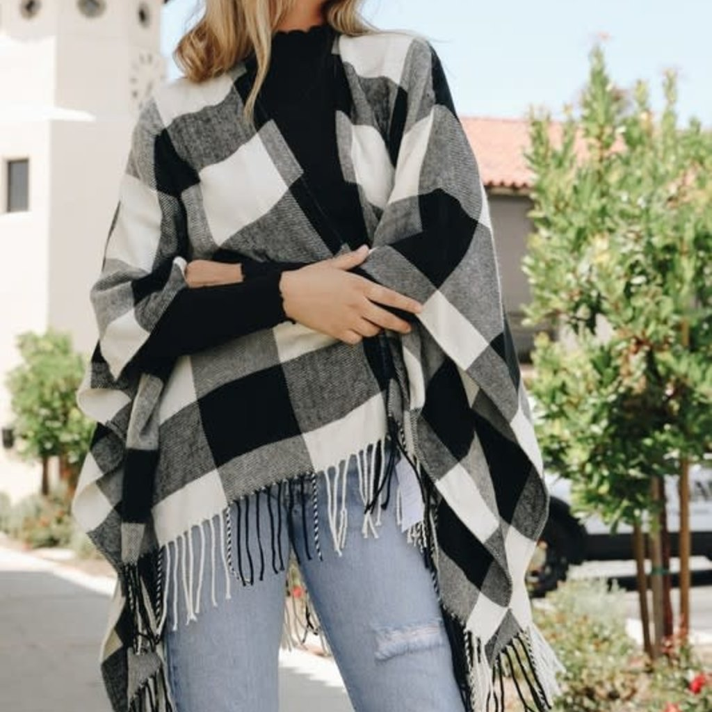 Leto White & Black Buffalo Check Poncho