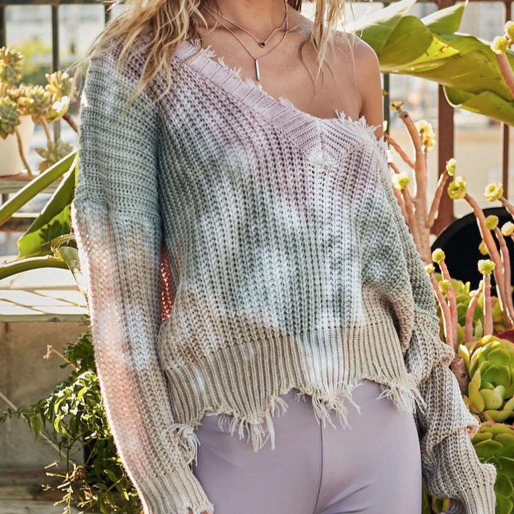 Mainstrip Olive Rose Frayed V-Neck Sweater