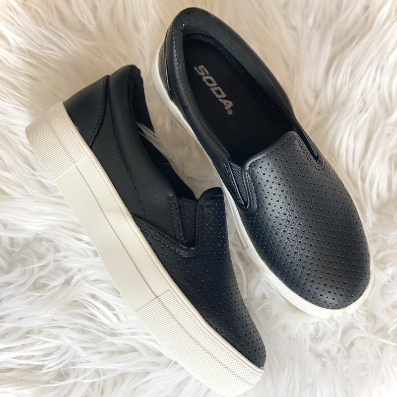 Soda Brand Soda Black Pillow Slip On Sneaks (6-11)