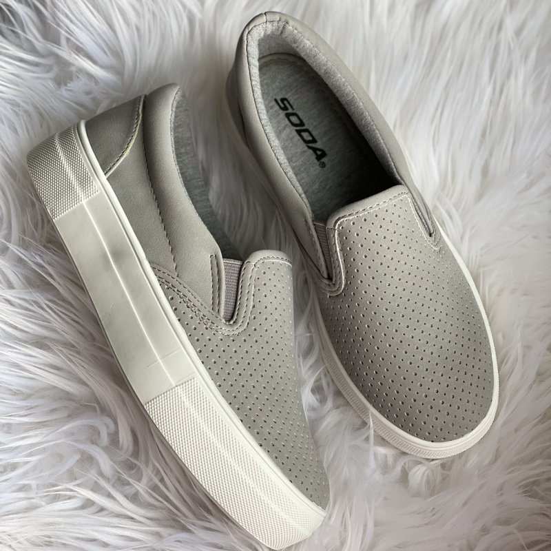 Soda Brand Soda Gray Pillow Slip On Sneaks (5.5-10)