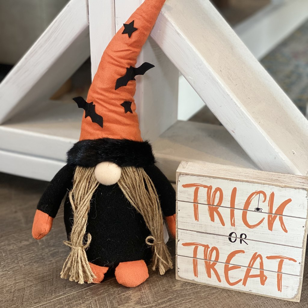 """Sincere Surroundings Trick or Treat Sign 6""""x6"""""""