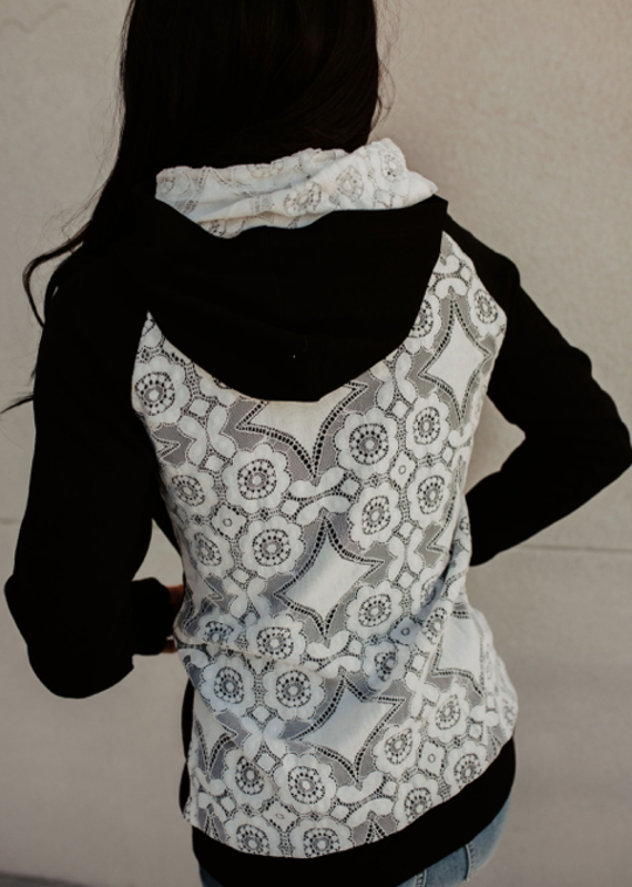AMPERSAND AVE Lovely Lace Black Ampersand Ave Doublehood (XS-3XL)