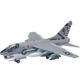 Revell 5484 - 1/48 A7A Corsair II