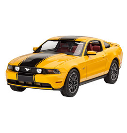 Revell of Germany 07046 - 1/25 2010 Ford Mustang GT