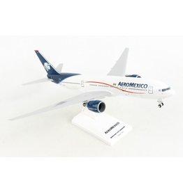 Daron 1/200 AeroMexico B777-200ER with Gear - SkyMarks
