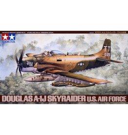 Tamiya 61073 - 1/48 Douglas A-1J Skyraider USAF