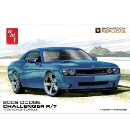 AMT 1117 - 1/25 2009 Dodge Challenger R/T