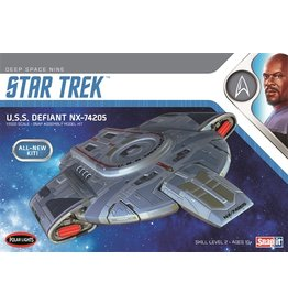 Polar Lights 952 - 1/1000 Star Trek U.S.S. Defiant