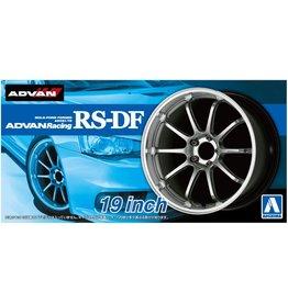 Aoshima 05328 - 1/24 ADVAN Racing RS-DF - 19 Inch Wheels