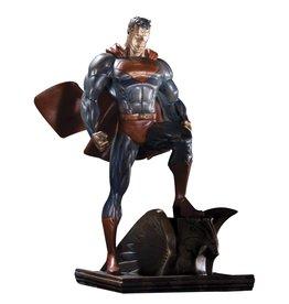 DC COMICS SUPERMAN PATINA MINI STATUE