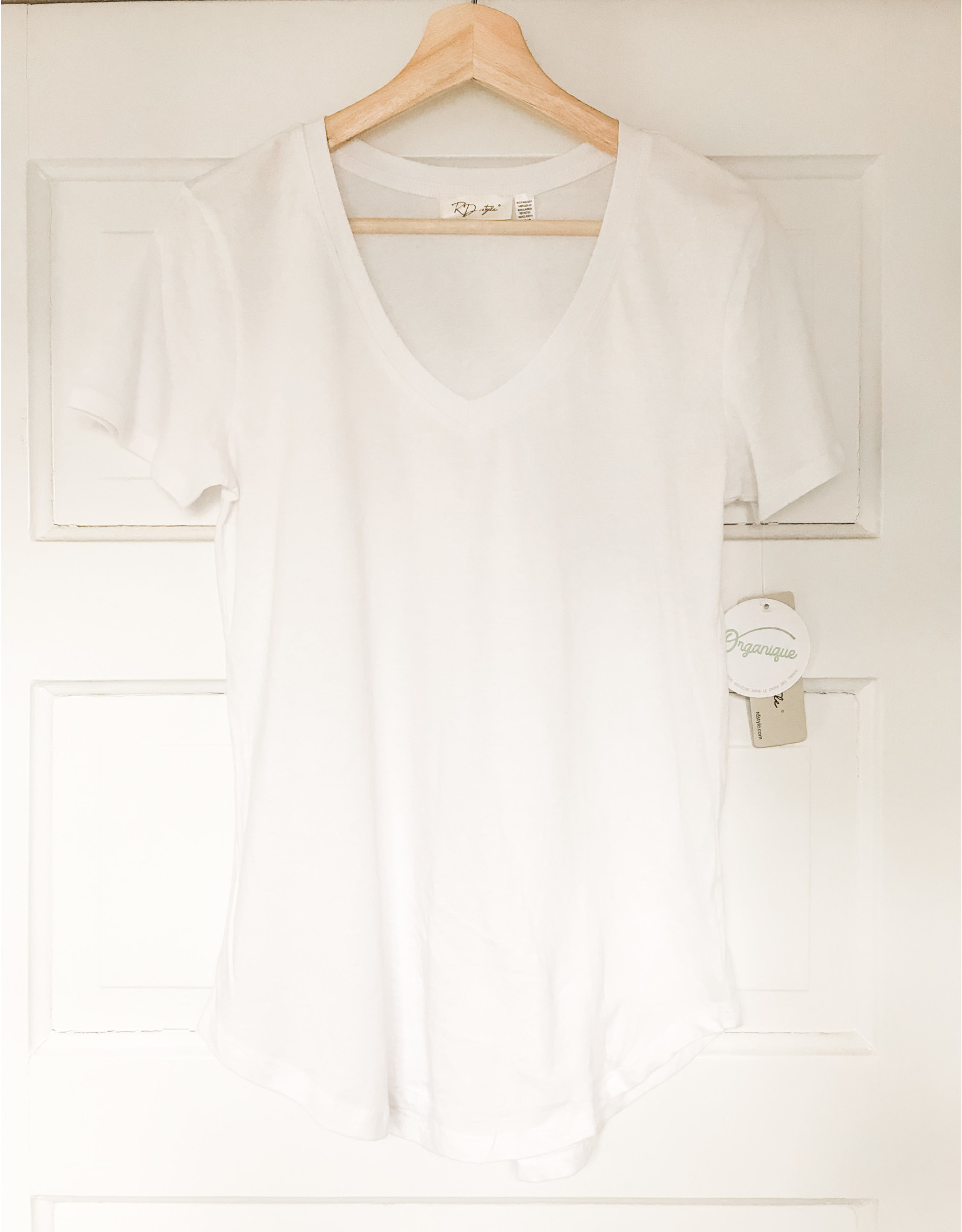 RD Style RD Style - Sara v neck tee (2 colours)