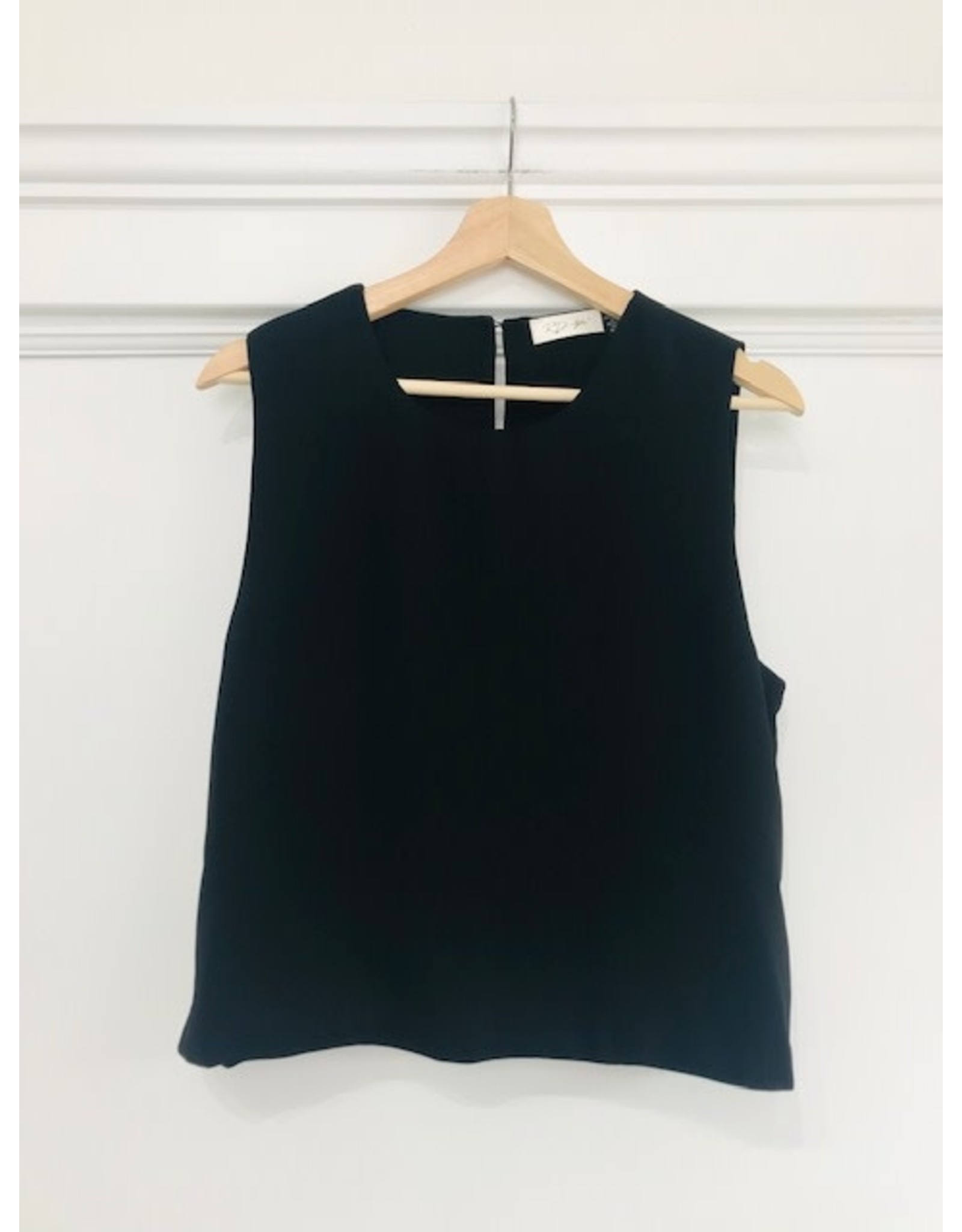 RD Style RD Style - Carmen sleeveless blouse (2 colours)