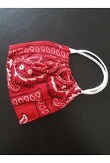 Bandana print face mask (red)