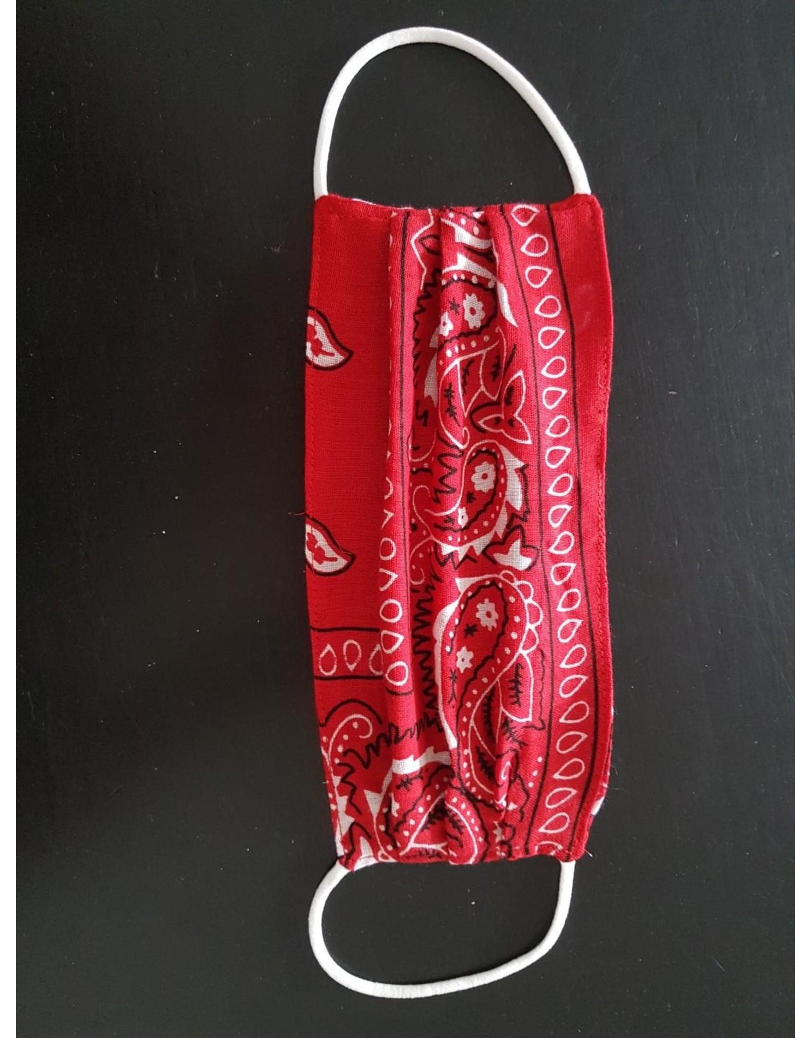 Bandana print face mask (red)