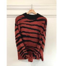 See U Soon See U Soon -  Zebra stripe sweater (red)