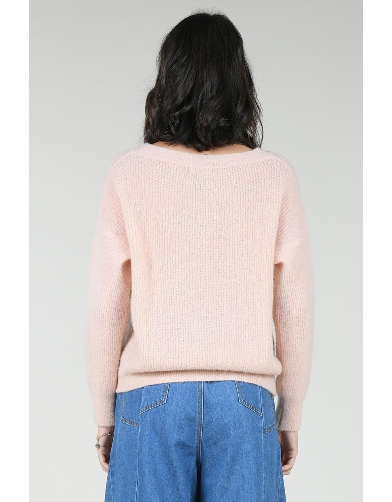 Molly Bracken Molly Bracken - Soft peach V-neck sweater