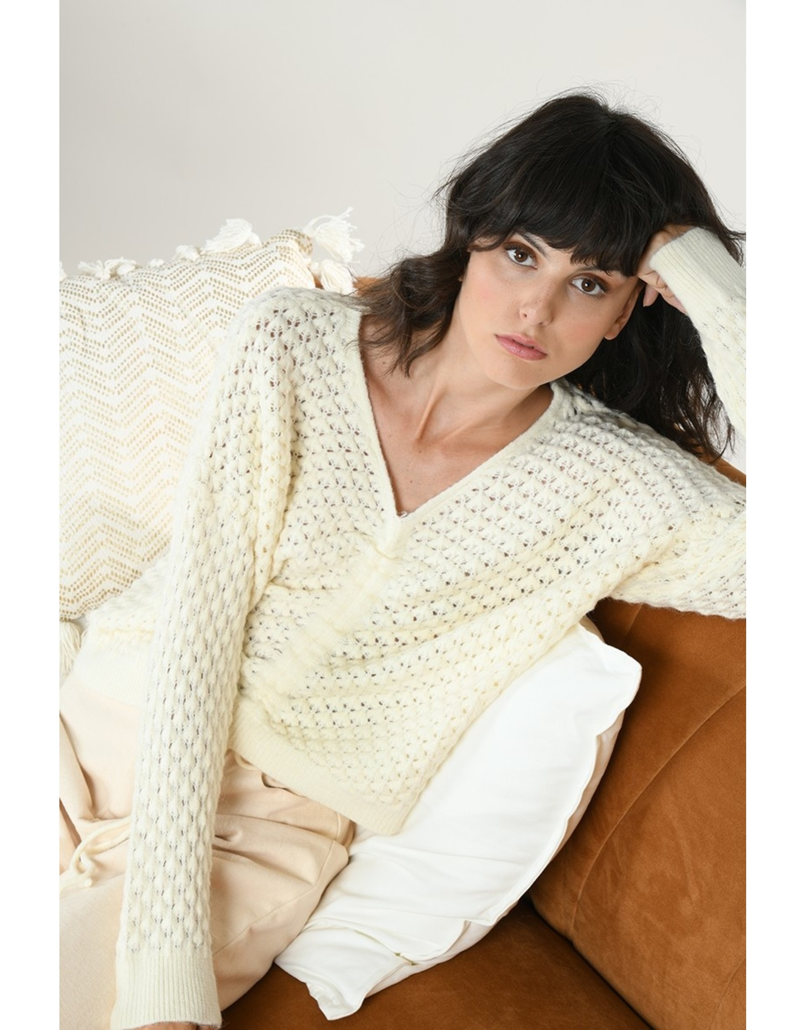 Molly Bracken Molly Bracken - Popcorn knit cinched sweater (ecru)