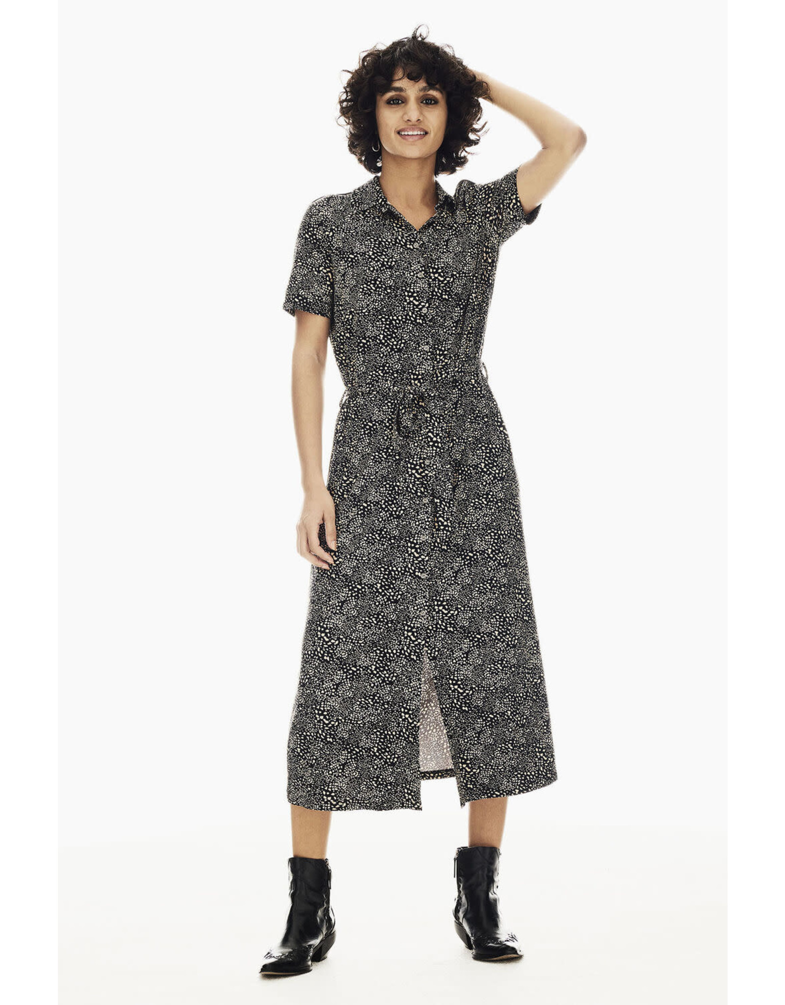 Garcia Garcia - Black Midi Dress With Allover Print