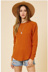 Quinn - Ribbed top with gathered shoulders