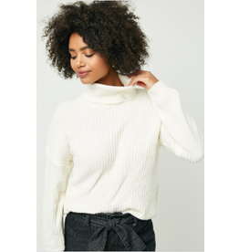 Tia - Yarn knit turtleneck sweater