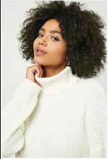 Tia - Yarn knit turtleneck sweater