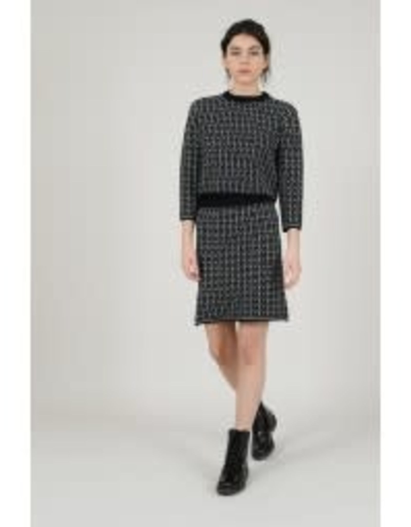 Molly Bracken Molly Bracken - Black and white geo print sweater