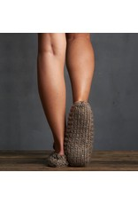 Lemon Lemon - Ballerina slipper with yarn pom (brown)