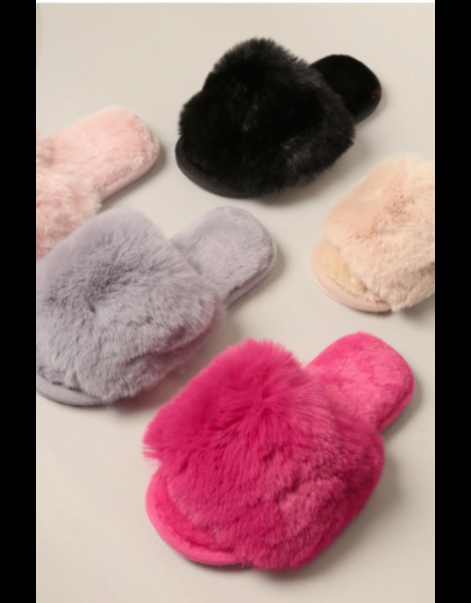 Alba - Fuzzy sandals (black)