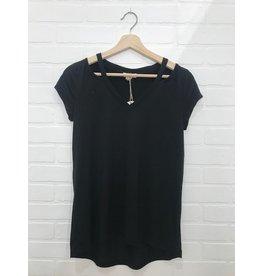 Saba & Co Saba & Co - Shoulder slit tee (black)