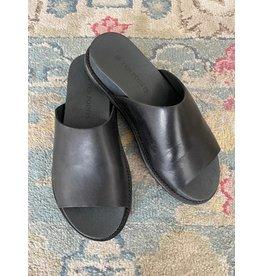 Ten Points Ten Points - Sandra brushed leather lined slide (black)