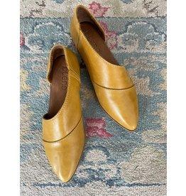 Bueno Bueno - Blake pointy toe flat (mustard)