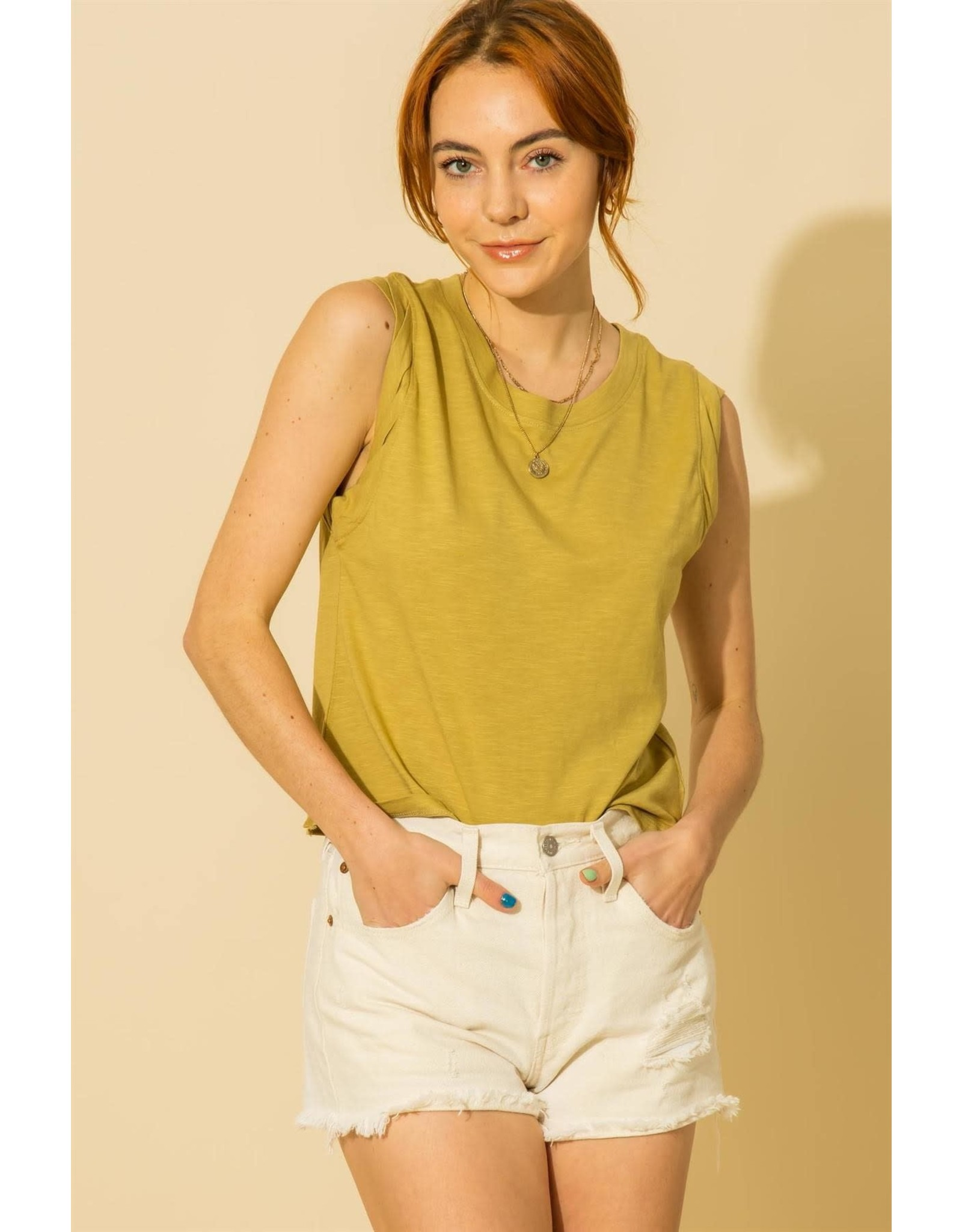 HYFVE Dakota - Muscle tee with twisted detail (golden lime)