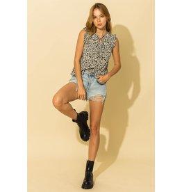 Chloe - Floral print sleeveless blouse (black)