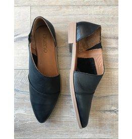 Bueno Bueno - Blake pointy toe flat (black)