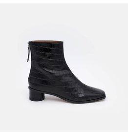 Angel Alarcon Angel Alarcon - Uttara Women's low rounded heel ankle boots with zip (black)