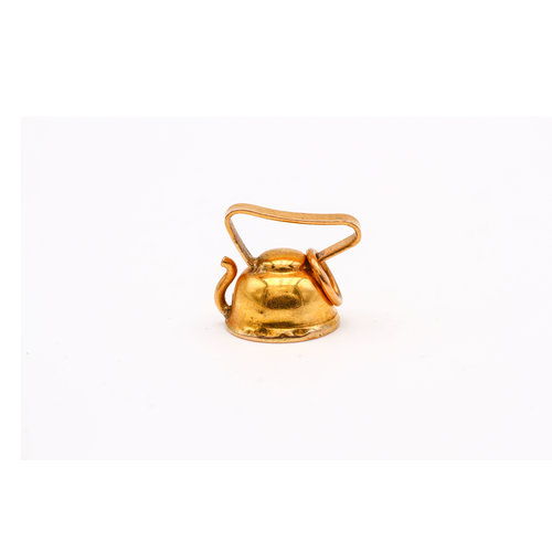 Sweet Teapot Charm in 18K Yellow Gold
