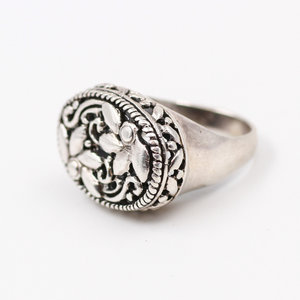 Sterling Floral Ring (7.5)