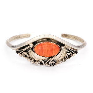 * Justin Morris Sterling Spiny Oyster Cuff