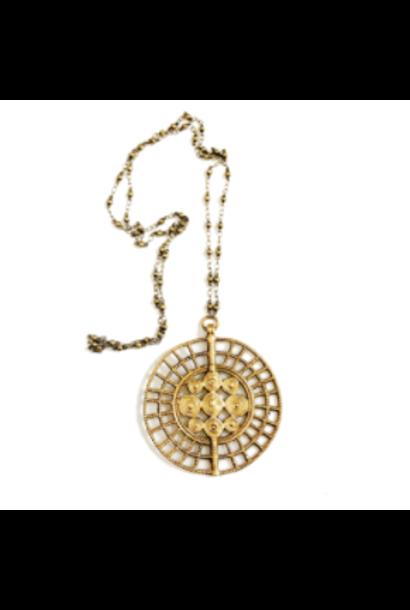 Necklace | Sundra Medallion