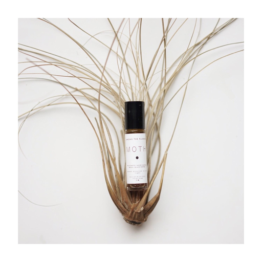 Roll-on Perfume   Moth-1