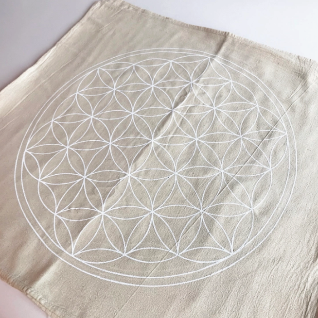 5248 - Crystal Grid Cloth - XL Flower of Life - White Ink-1