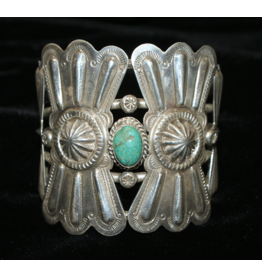 jewelry Vintage Green Turquoise Repousse Cuff