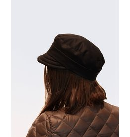 Barb Longva Che Hat by Barbara Longva