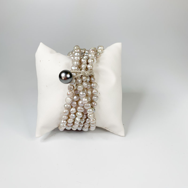 Catherine Canino Catherine Canino Grey freshwater pearl cluster stretchy bracelet