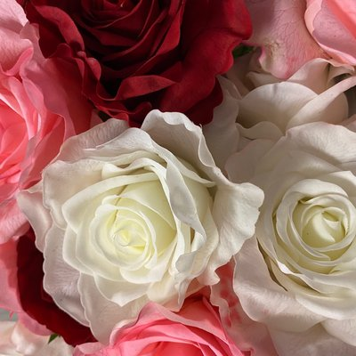 Two's Company Real Touch Roses
