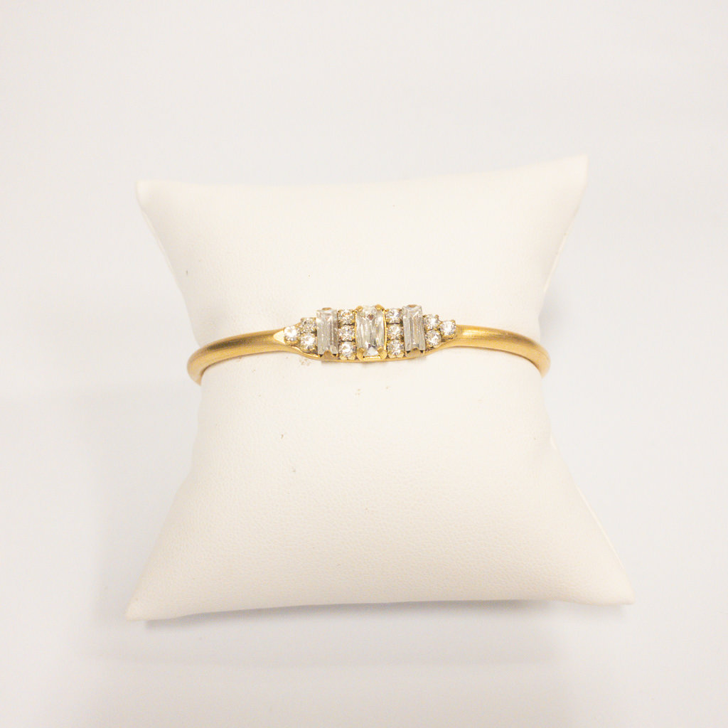Sandy Hyun Gold Cuff Bracelet with Oval Stone Small