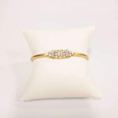 Sandy Hyun Gold Cuff Bracelet with Oval Stone Small